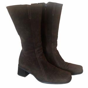 La Canadienne mid-calf brown suede boots